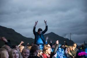 Publikum til Dizzy Mizz Lizzy. Foto: Olaf Olsen